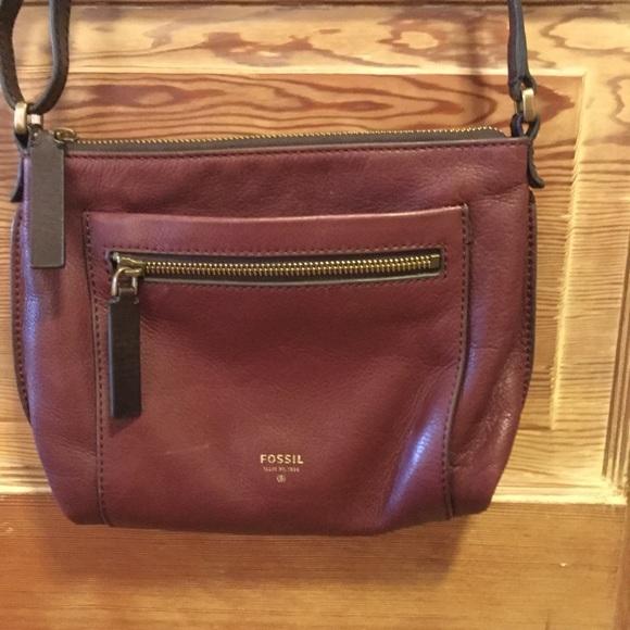 1d9938725922ff Fossil Handbags - Fossil burgundy leather crossbody bag